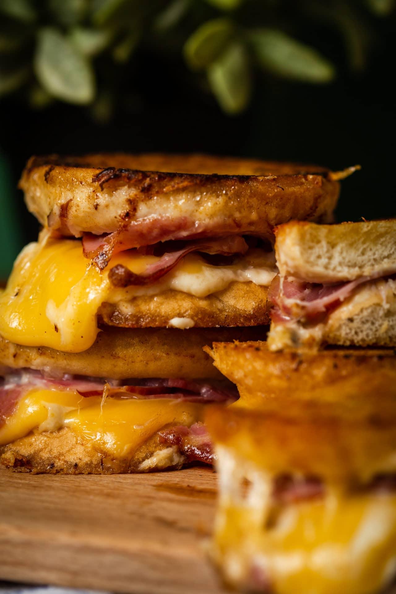 Tormás-tarjás grilled cheese szendvics