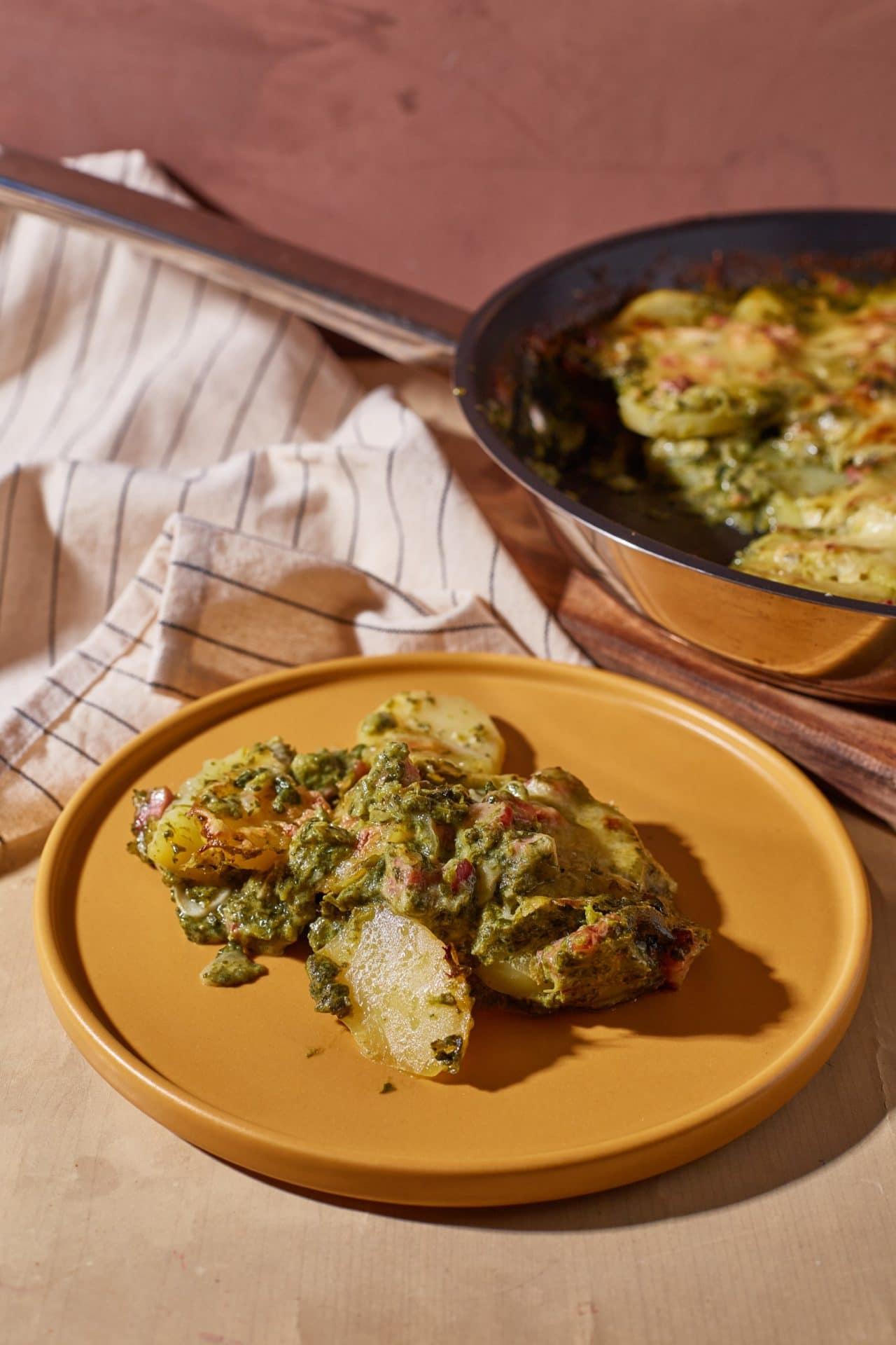 Tarjás-parajos serpenyős krumpli