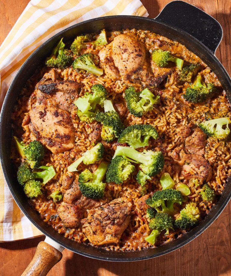 egylábasos pesztós-csirkés rizs