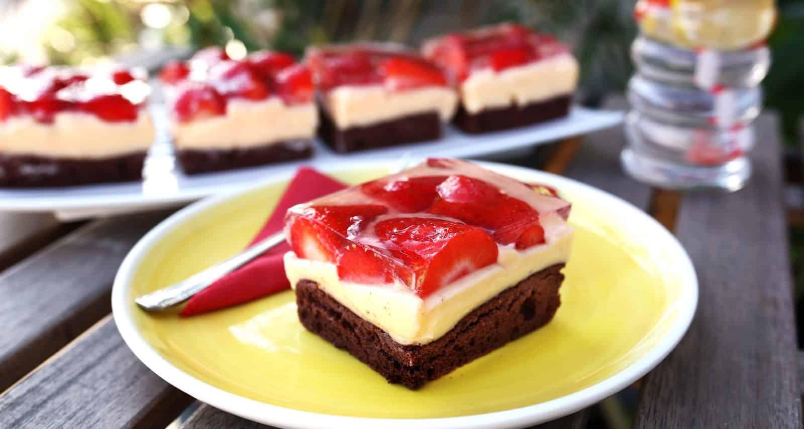 Retró epres-zselés süti