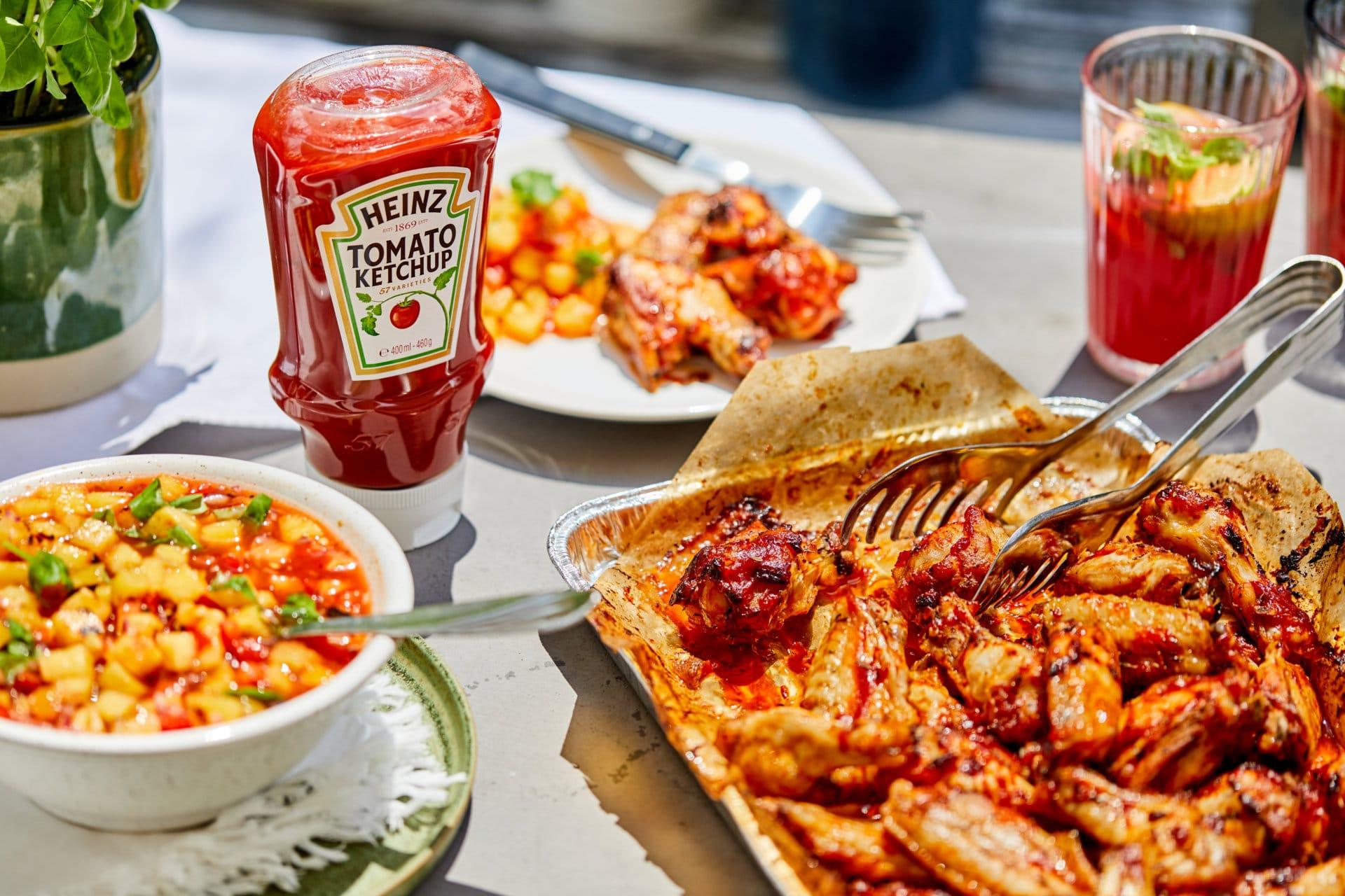 Ketchupos-chilis grillezett csirkeszárny ananászsalsával