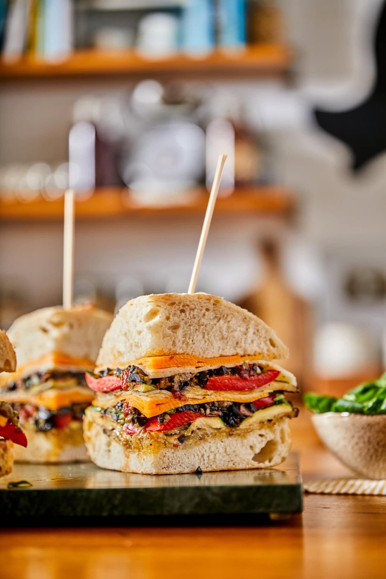 Vega muffuletta szendvics